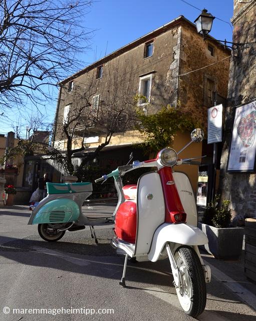 Vespa und Lambretta mieten in der Toskana