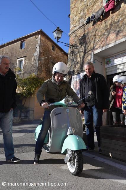 Vespa mieten in der Toskana